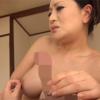 北島玲が童貞の筆おろしで仮性包茎のチンコを美味しそうにフェラチオする動画。